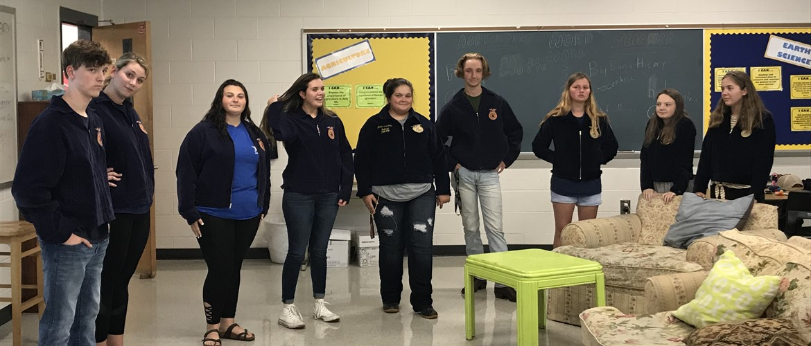 Ms. Lawrence had FFA members from the high school encourage GNMS students to become members.