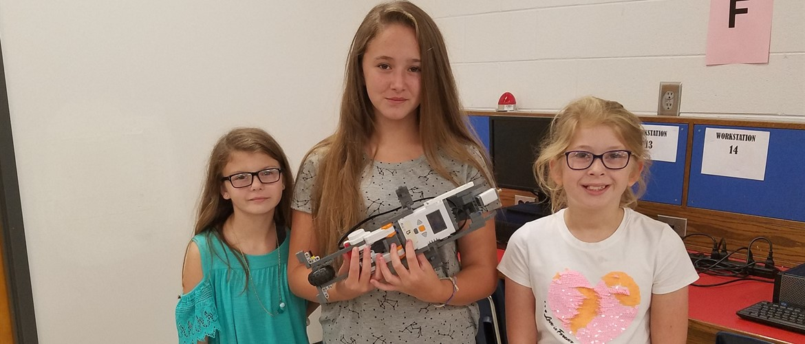 Exploring Engineering at GNMS~ Dolphin Robot!