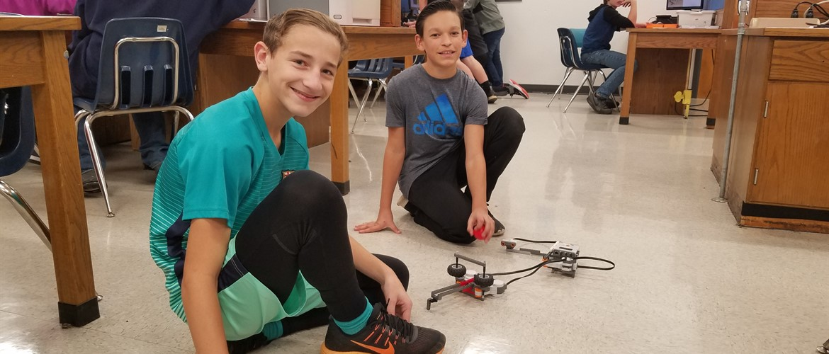 Exploring Engineering Classes Build Robots at GNMS!
