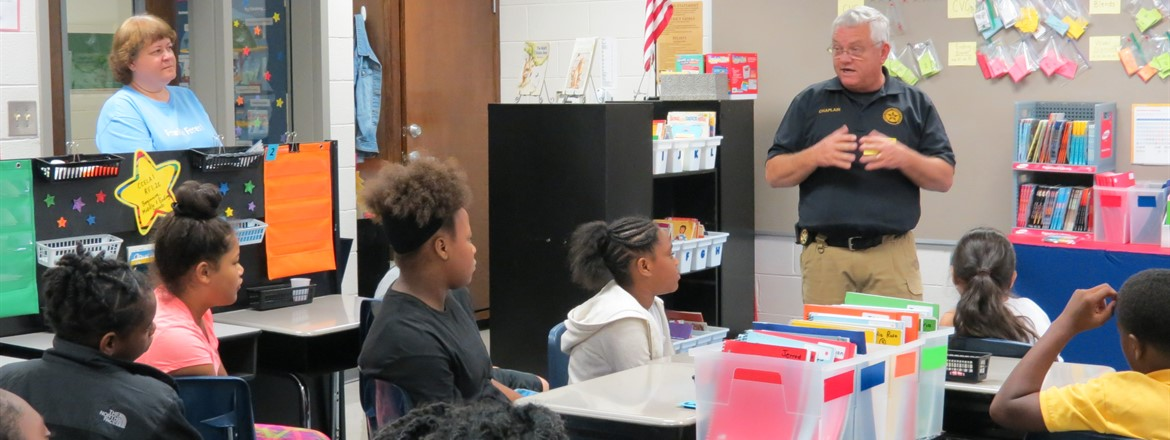 Officer Pruitt Speaks to FFES 5th Graders
