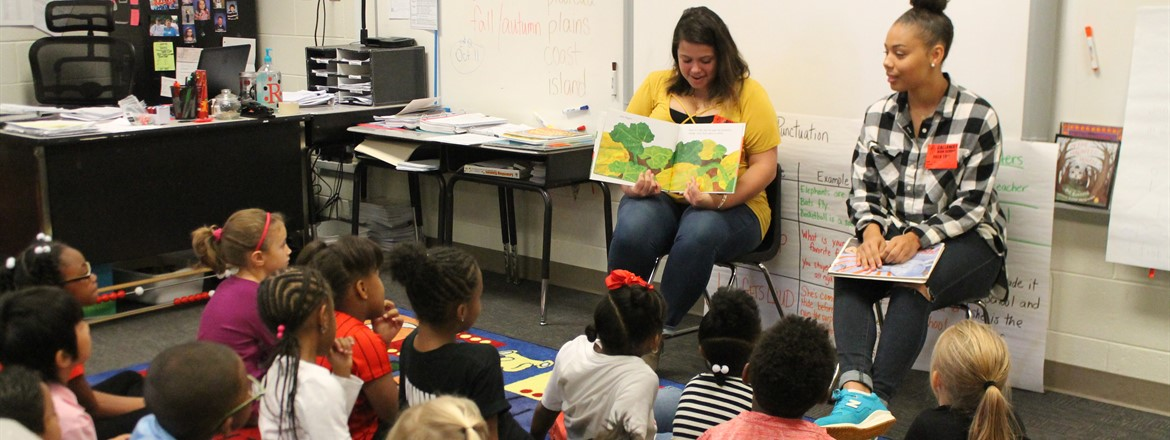 CHS STUDENTS READ TO CES DURING TEEN READ WEEK