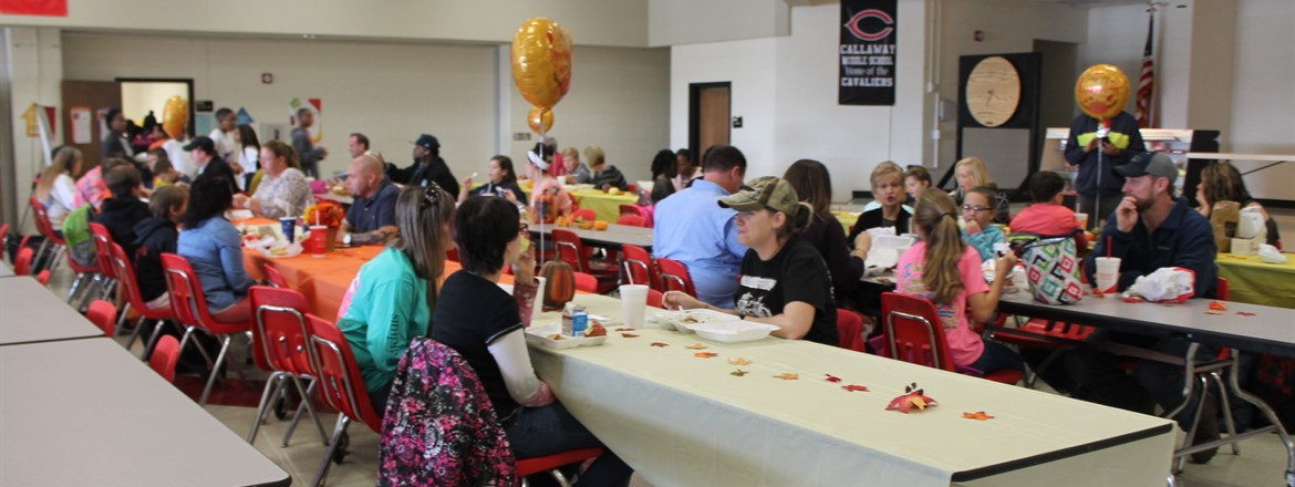 6th grade Thanksgiving Lunch with parents